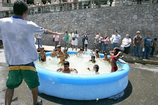 el peligro de las piscinas inflables edu news el